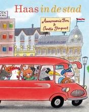Annemarie  Bon Haas in de stad