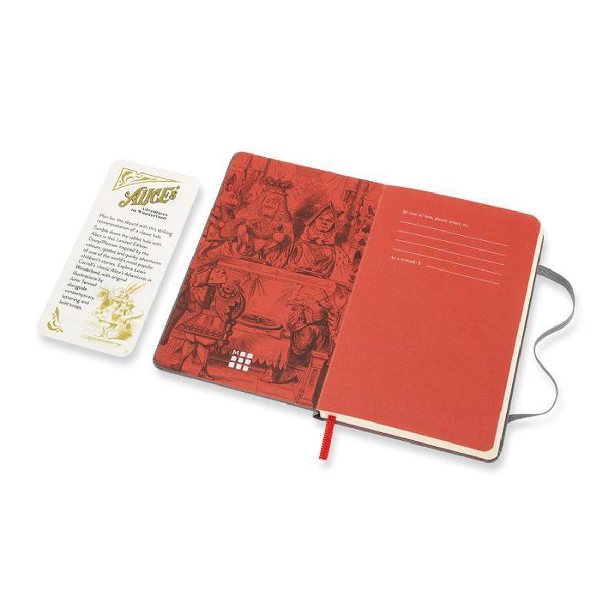 ,Moleskine 18 MND Agenda - 2020/21 - LE Planner - Alice In Wonderland - Wekelijks - Pocket (9x14 cm) - Paars - Harde Kaft