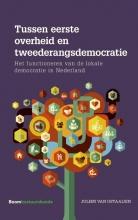 Julien van Ostaaijen , Tussen eerste overheid en tweederangsdemocratie