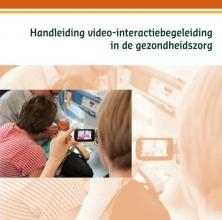Marij Eliëns , Handleiding video-interactiebegeleiding in de gezondheidszorg