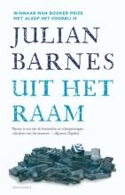 Julian  Barnes Uit het raam