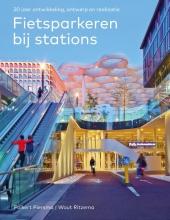 Wout Ritzema Folkert Piersma, Fietsparkeren bij stations