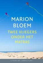 Marion  Bloem Twee vliegers onder het matras (set van 10 ex)