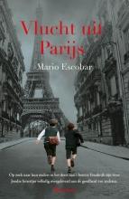 Mario Escobar , Vlucht uit Parijs