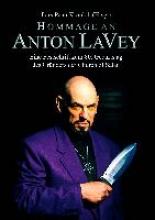 Kronlob, Lars P. Hommage an Anton LaVey