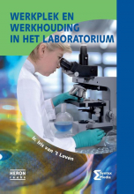 Iris van `t Leven , Werkplek en werkhouding in het laboratorium