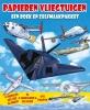 <b>Papieren vliegtuigen, een boek en zelfmaakpakket</b>,