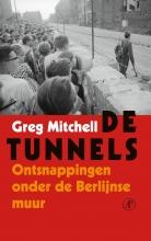 Greg Mitchell , De tunnels