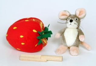 Child`s Play Plush Strawberry and Wooden Knife