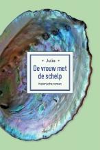Julia - , De vrouw met de schelp